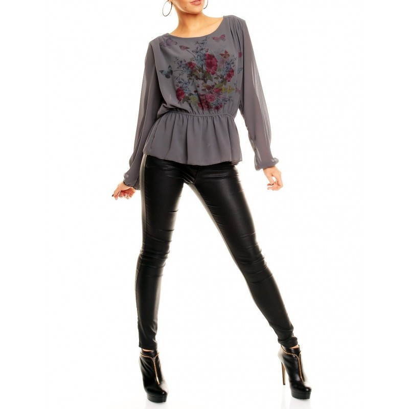 Discount Wholesale Clothing for Women height= 560 width= 500