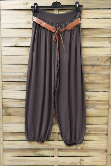 LOT 2 X PANTS + BELT 0690 CHOCOLATE