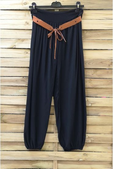 LOT 2 X PANTS + BELT 0690 BLACK