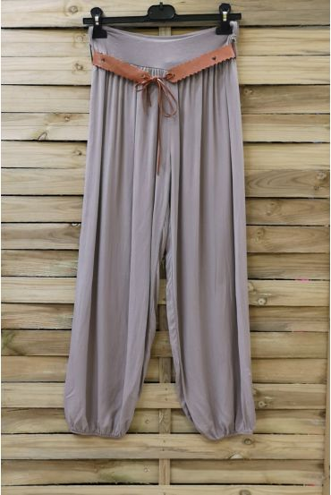 LOT 2 X PANTS + BELT 0690 TAUPE