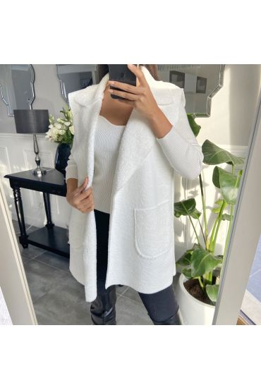 COAT WITHOUT SLEEVES MOUMOUTE 9819 WHITE