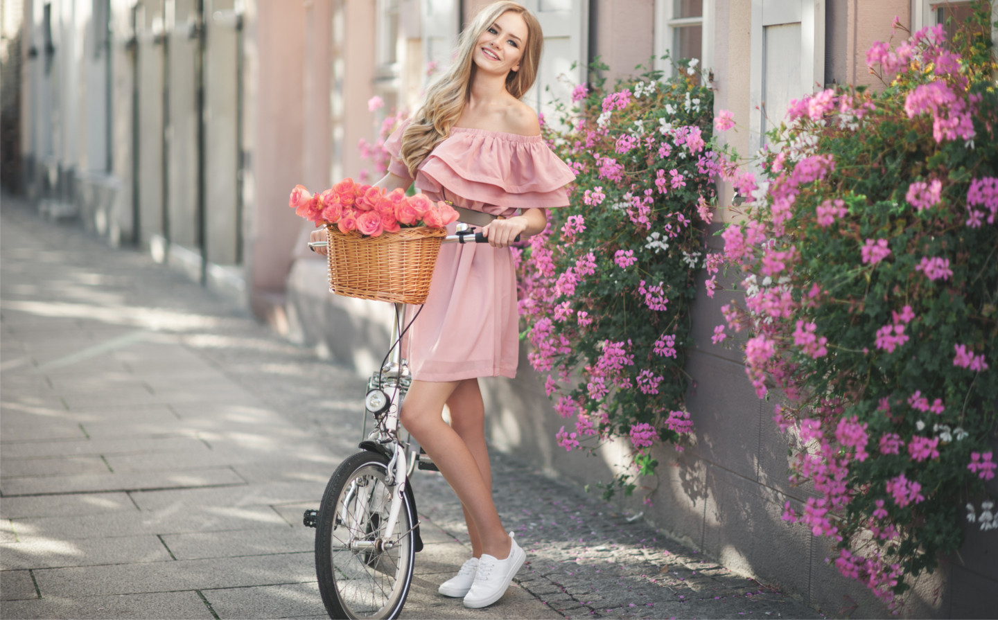 wholesaler ready to wear makes you discover his new collection of women's clothing and large size made in Italy cheap spring 2020 fashion online